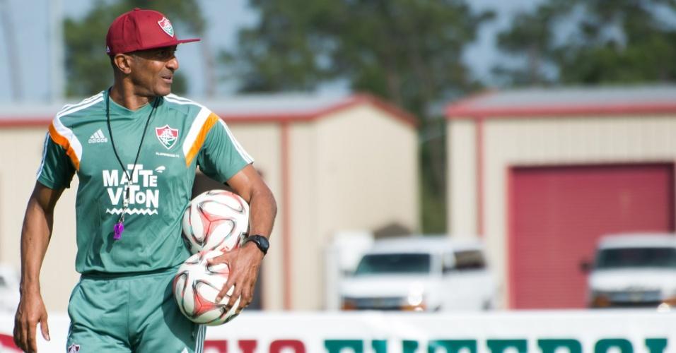 12.jan.2015 - O técnico Cristóvão Borges comanda treinamento do Fluminense nos Estados Unidos
