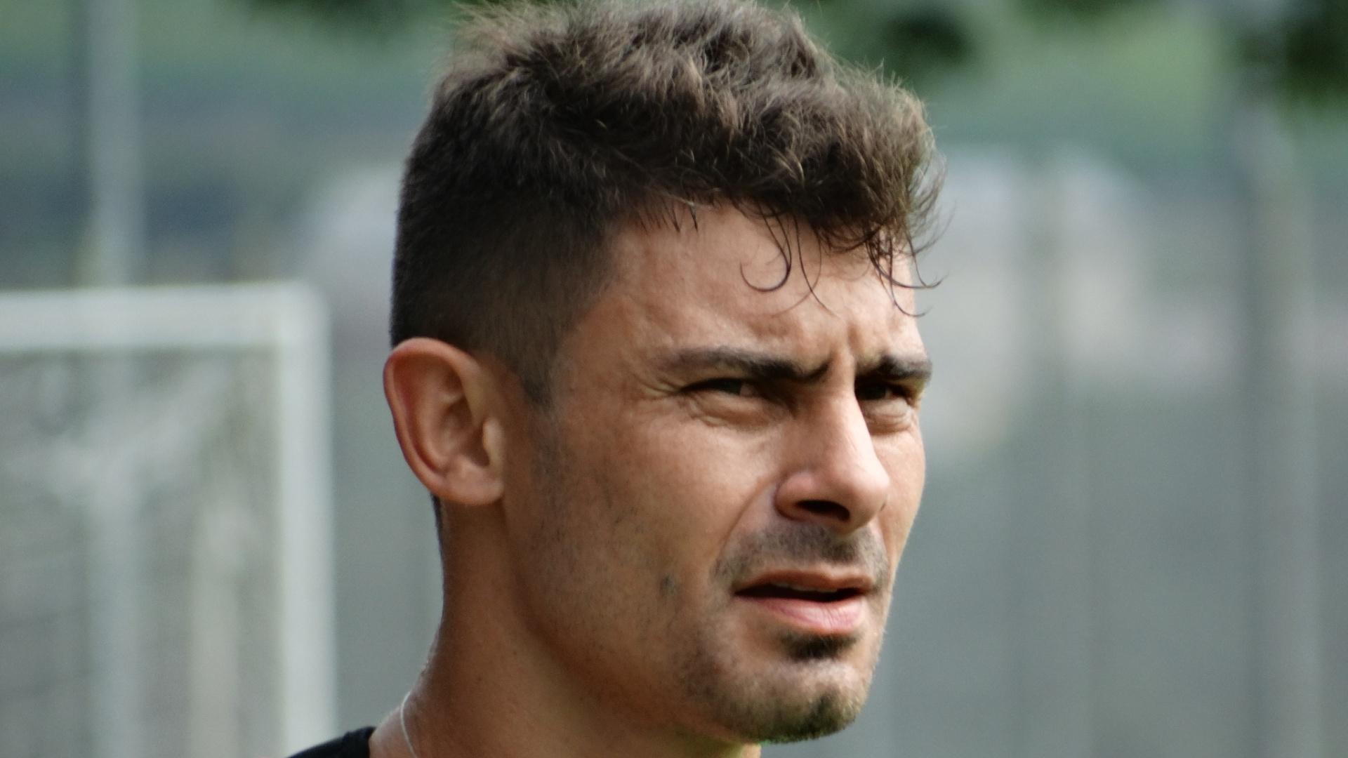 13.jan.2015 - Alex participa do terceiro dia de treinos do Inter em Bento Gonçalves, na Serra Gaúcha