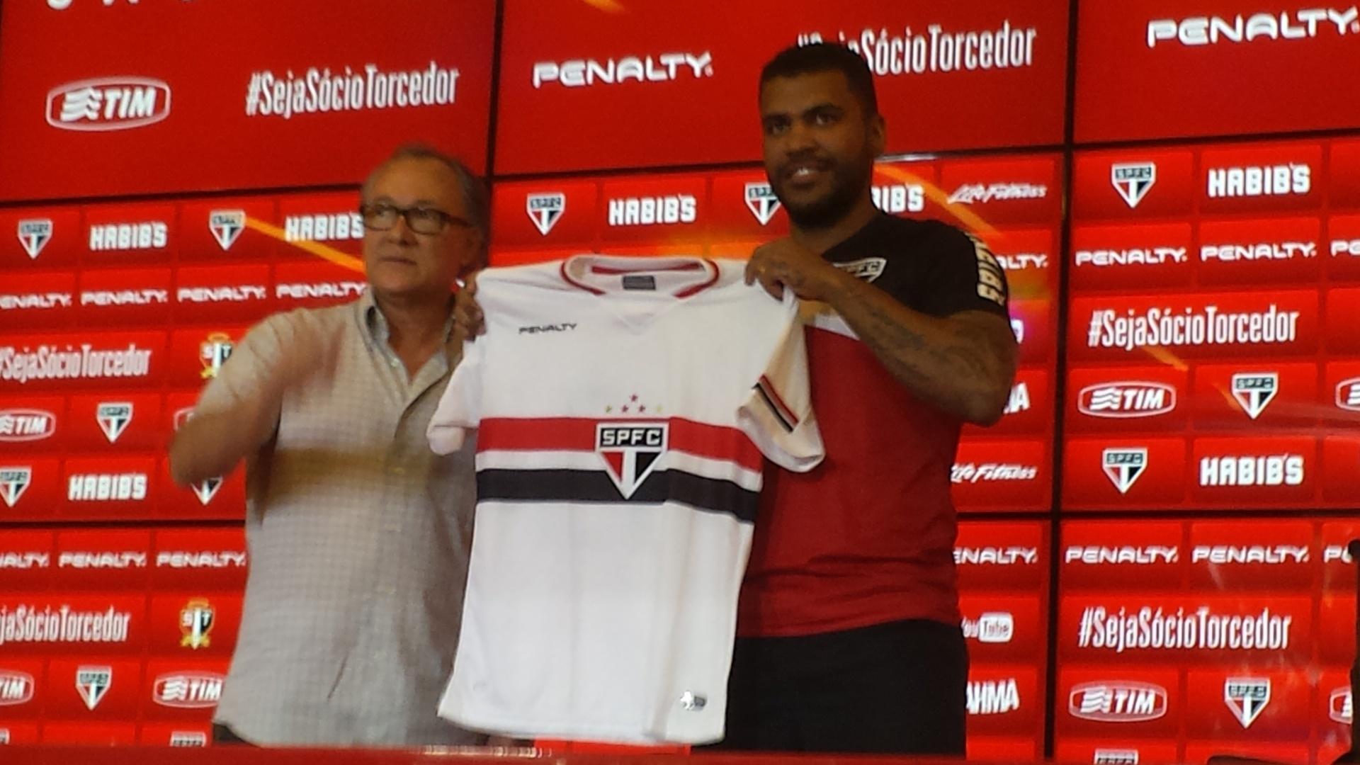 Breno volta a defender o São Paulo depois de sete anos