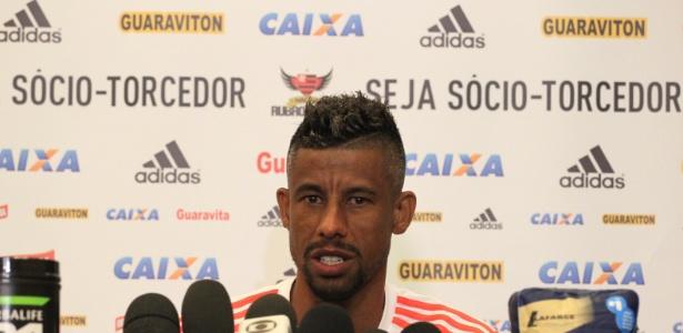 http://imguol.com/c/esporte/2015/01/15/leo-moura-concede-entrevista-durante-a-pre-temporada-do-flamengo-em-atibaia-sp-1421363922366_615x300.jpg