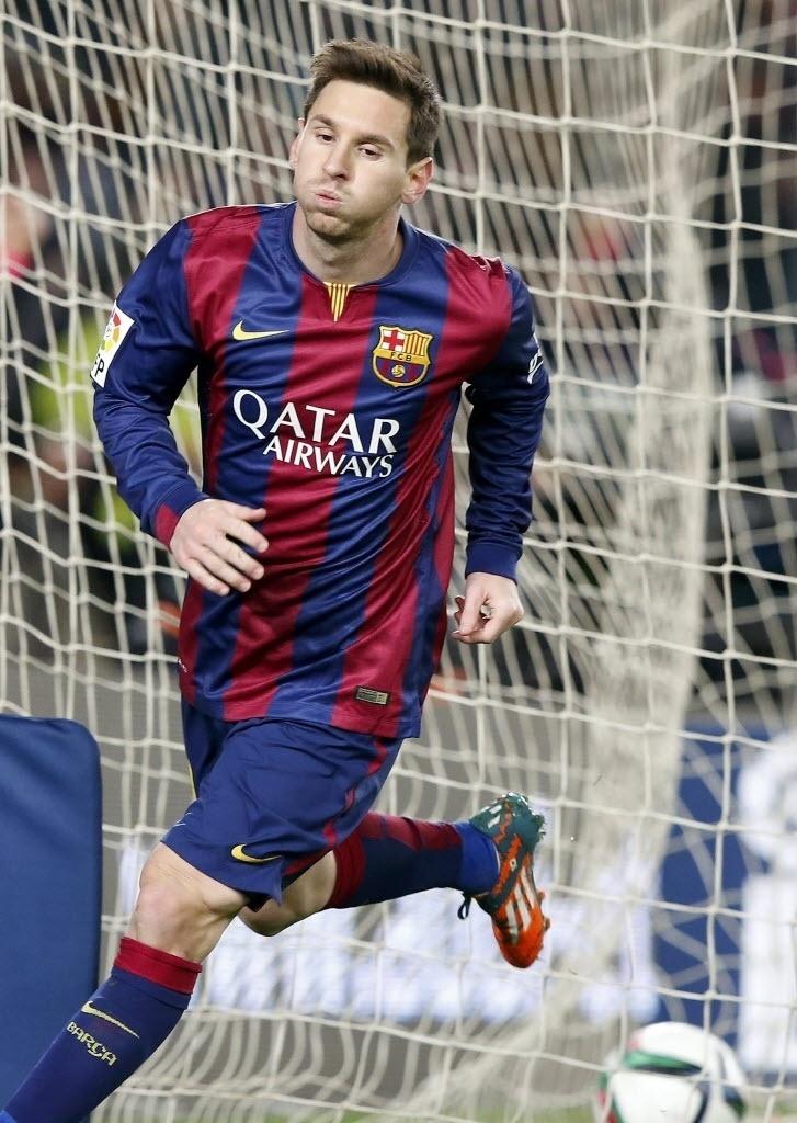 Messi comemora gol da vitória do Barcelona