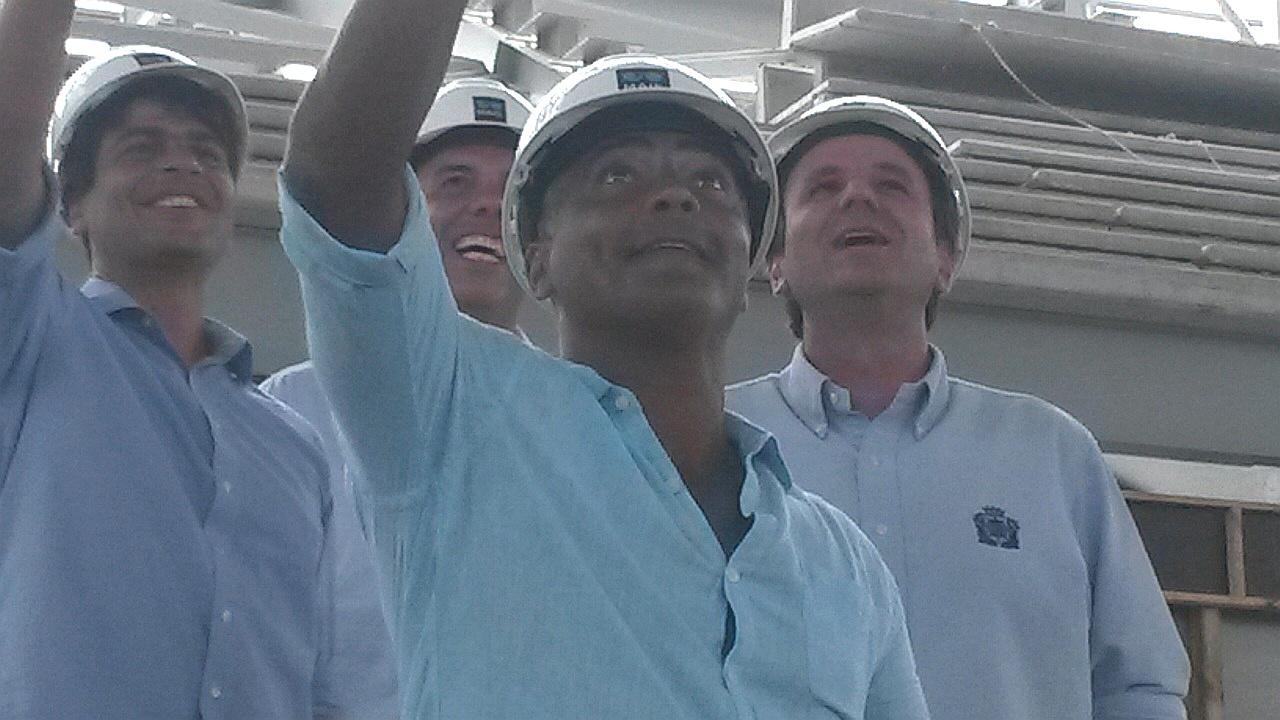 Romário visita Parque Olímpico da Rio-2016 acompanhado de prefeito Paes