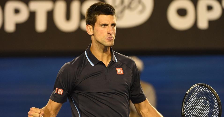 Novak Djokovic vibra após vencer Fernando Verdasco no Australian Open
