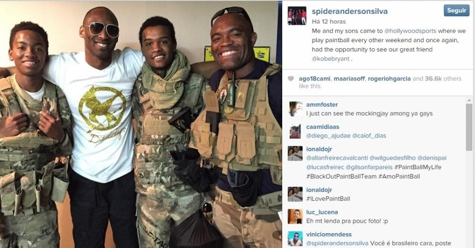 No sábado (24), Anderson Silva e os filhos se encontraram com Kobe Bryant, astro da NBA, em meio a uma disputa de paintball