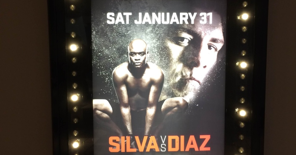 27.jan.2015 - Letreiro no Hotel MGM, em Las Vegas, exibe cartaz da luta entre Anderson Silva e Nick Diaz, marcada para o próximo sábado