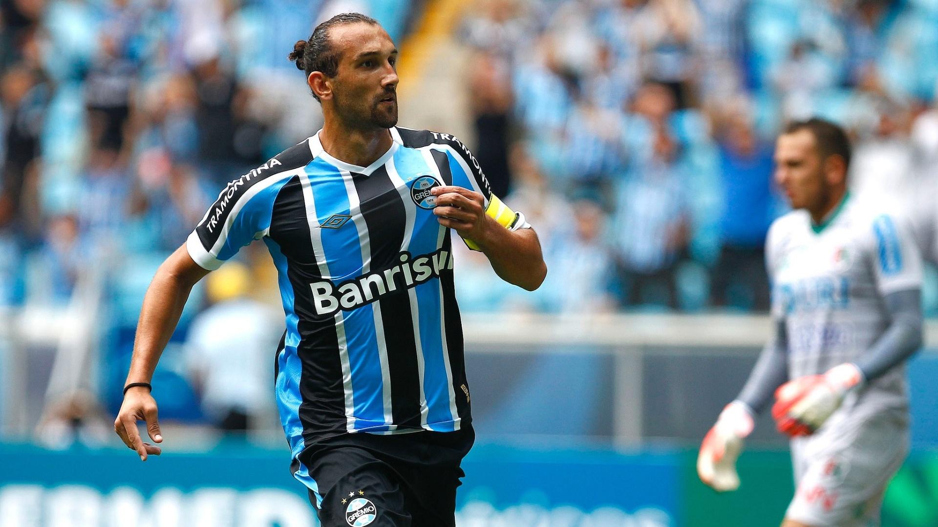 31 jan 2015 - Barcos comemora gol do Grêmio contra o União Frederiquense