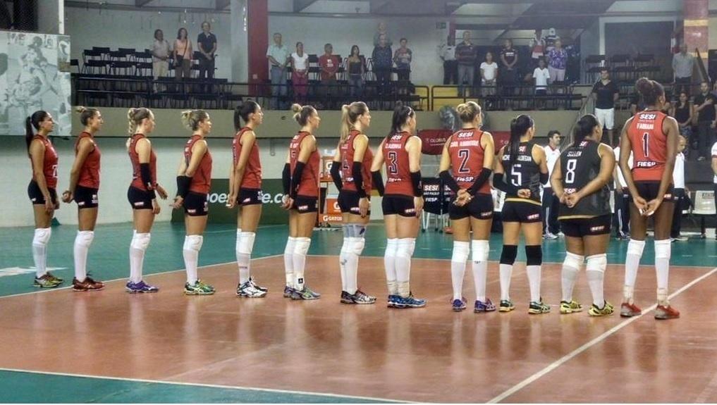 Jogadoras usaram braçadeiras pretas em homenagem a Fabiana