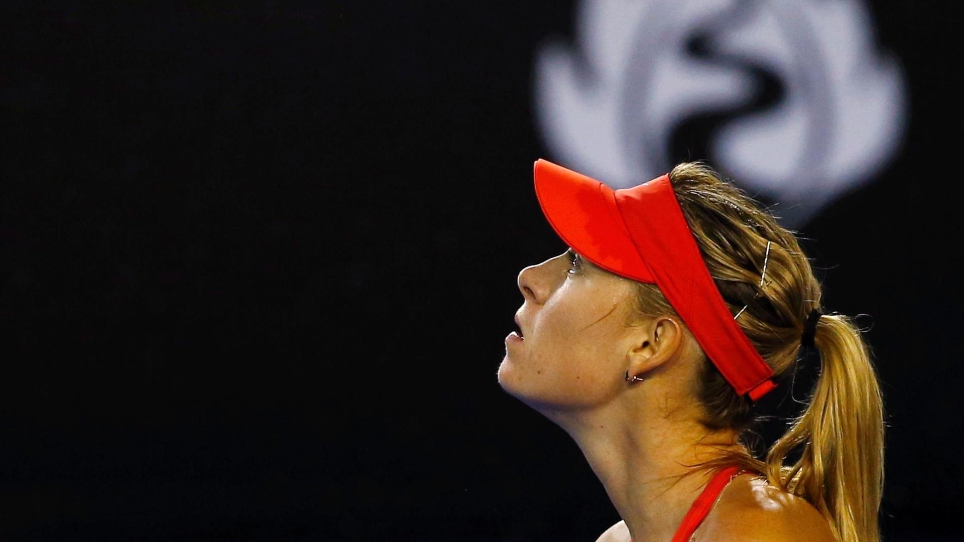 Sharapova esteve muito mal em seu saque no primeiro set. Ela cedeu três quebras