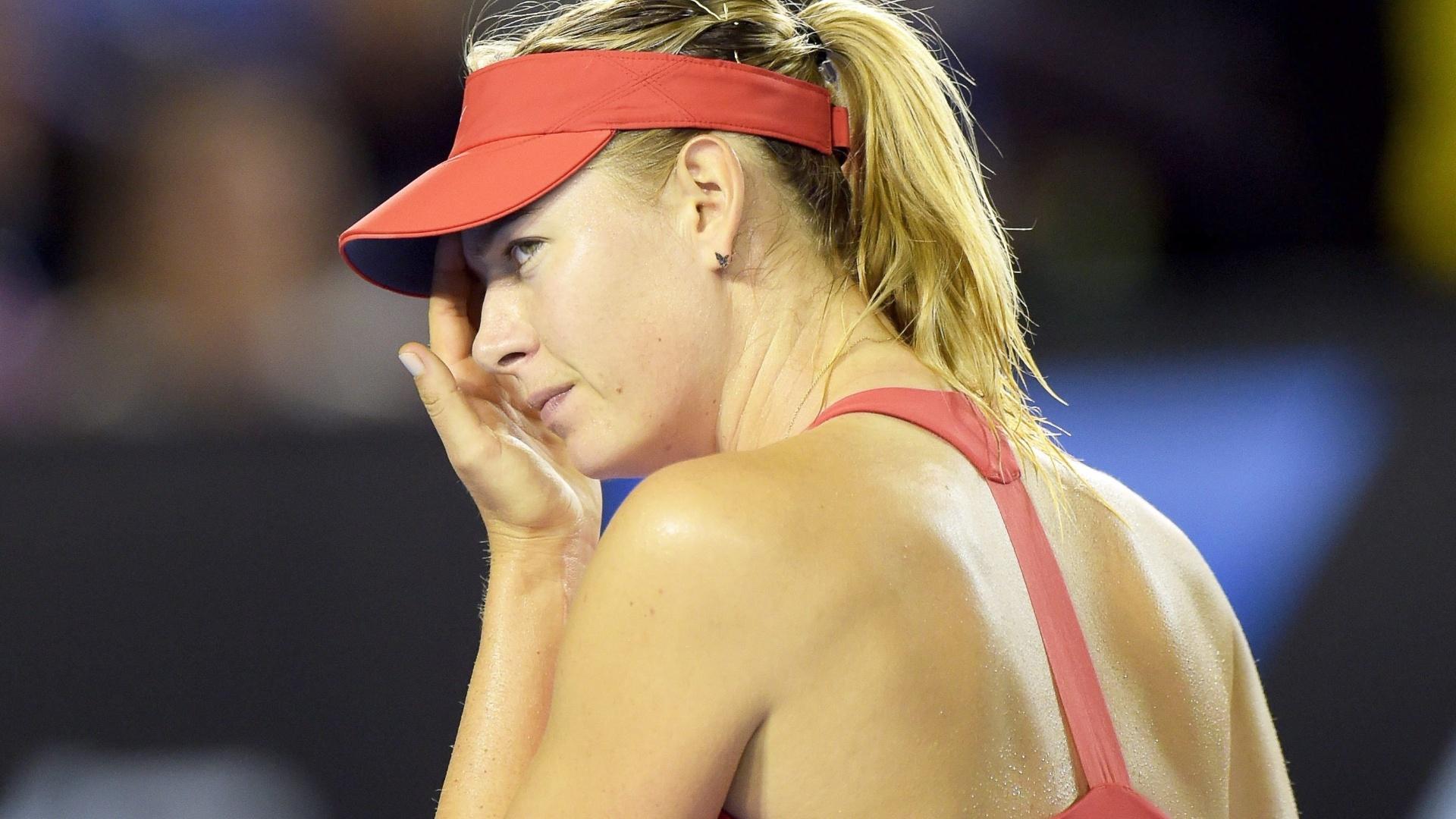 Sharapova se lamenta na partida contra Serena