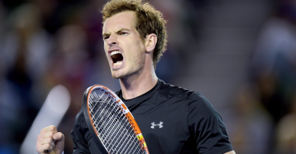 Andy Murray vibra bastante. Britânico venceu o segundo set por 7 a 6