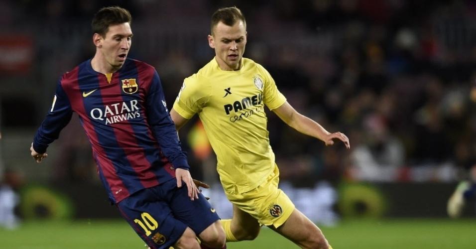 Messi em ação pelo Barcelona contra o Villarreal