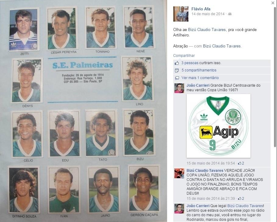 Bizu junto ao elenco do Palmeiras em álbum de figurinhas
