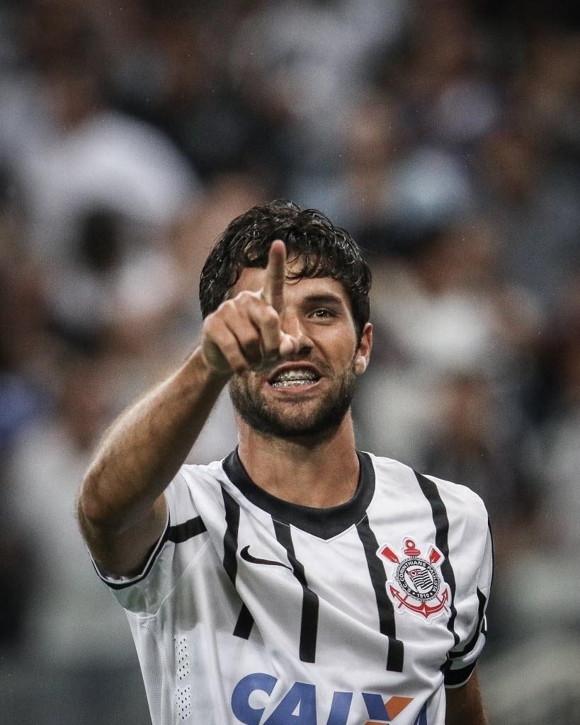Felipe comemora o segundo gol do Corinthians contra o Once Caldas