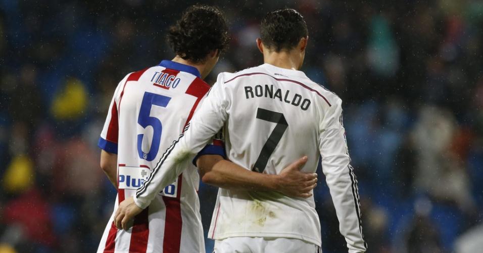 Cristiano Ronaldo e Tiago, do Atlético de Madrid após partida entre as equipes pela Copa do Rei