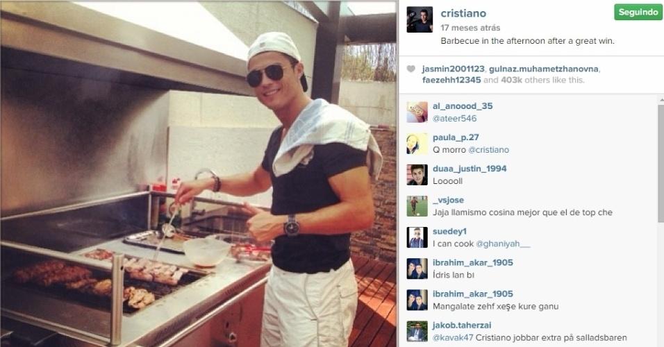Cristiano Ronaldo faz churrasco em dia de folga