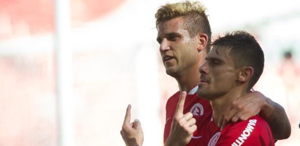 Alex marcou de pênalti e evitou terceiro empate seguido do Inter em 2015