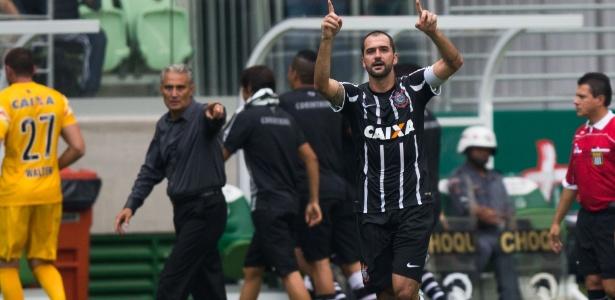 Danilo será titular contra o São Paulo. Tite explicou o porquê