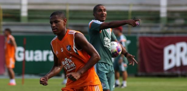 O meia Robert está sem treinar no Fluminense desde a última terça-feira