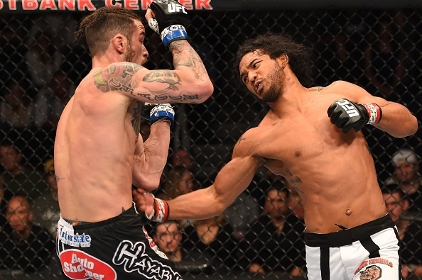 15.fev.2015 - Ben Henderson venceu Brandon Thatch por finalização no quarto round do UFC e Broomfield