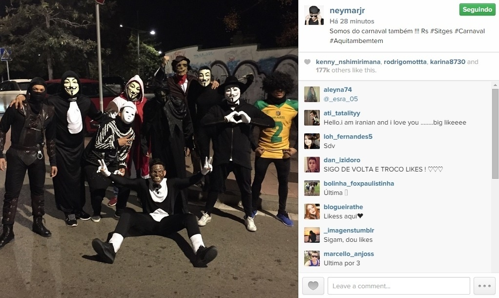 Fantasiado, Neymar também curte Carnaval na Espanha, em Sitges, cidade próxima a Barcelona