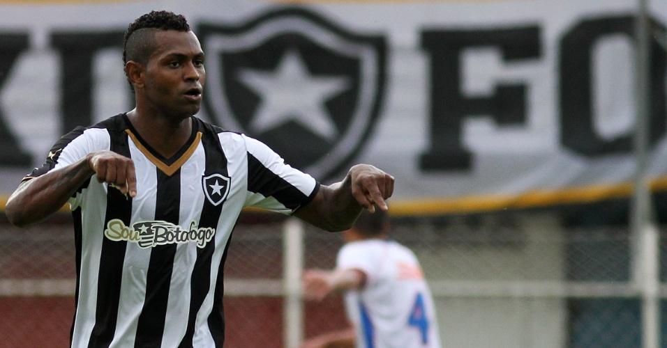 Jobson imita Cristiano Ronaldo ao comemorar gol pelo Botafogo