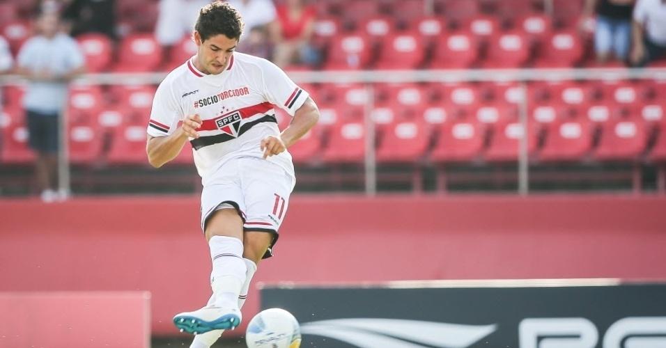 Pato finaliza para fazer 2 a 0 para o São Paulo