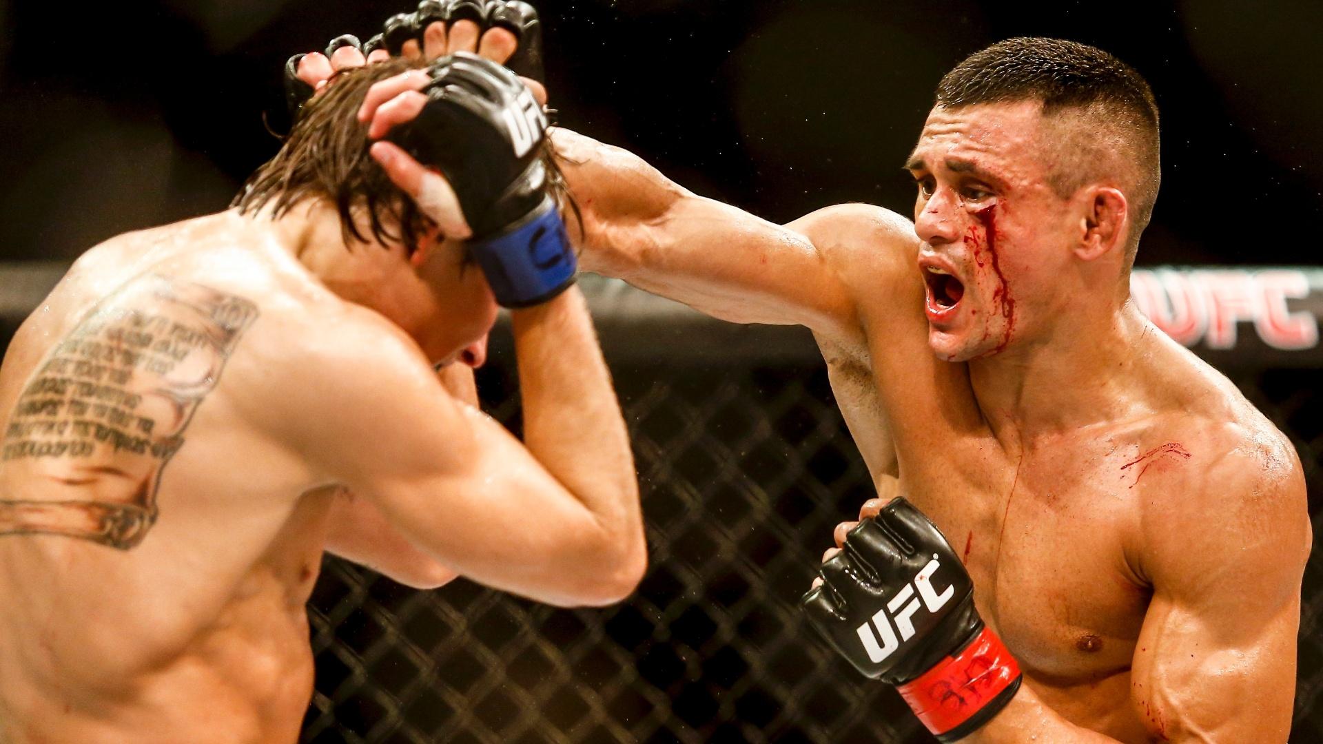 Douglas, o D'Silva, conquistou a segunda vitória brasileira no UFC Porto Alegre, por pontos. Ele bateu Cody Gibson, apesar de machucar o rosto e sangrar desde o primeiro round