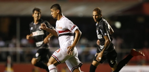 Denilson pode deixar o São Paulo e acertar com o Al-Wahda por três anos