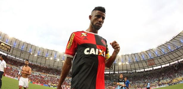 Léo Moura chegou a acertar contrato com o Vasco, mas recuou após repercussão