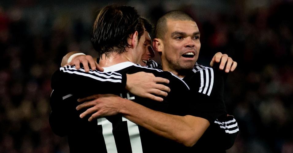 Pepe comemora gol do Real Madrid com Bale e Toni Kroos