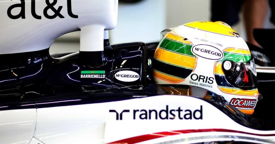 Rubens Barrichello faz homenagem a Ayrton Senna no GP do Brasil de 2011