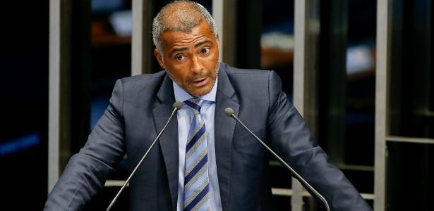"""Romário chamou de """"deboche"""" o novo fair play financeiro da CBF para o Campeonato Brasileiro"""