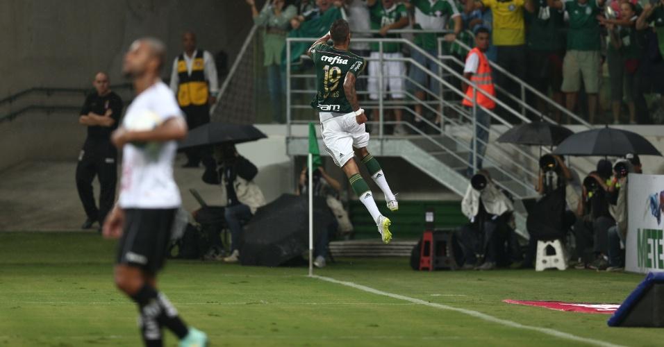 Rafael Marques comemora o gol que abriu o placar para o Palmeiras contra o Bragantino