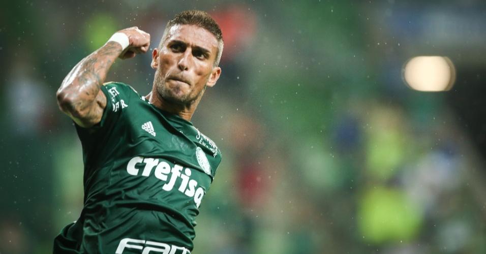 EXCLUSIVO: Rafael Marques fica mais perto de vestir a camisa do Flamengo