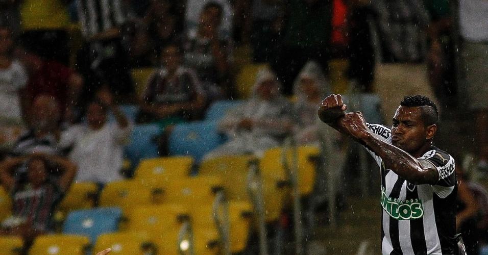 Jobson comemora seu gol pelo Botafogo em clássico carioca