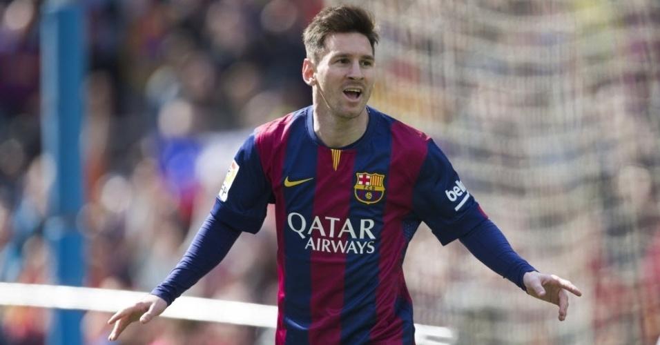 Messi comemora um de seus três gols sobre o Rayo Vallecano pelo Espanhol