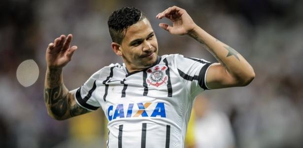Flamengo sinaliza com interesse em comprar o atacante Luciano, do Corinthians