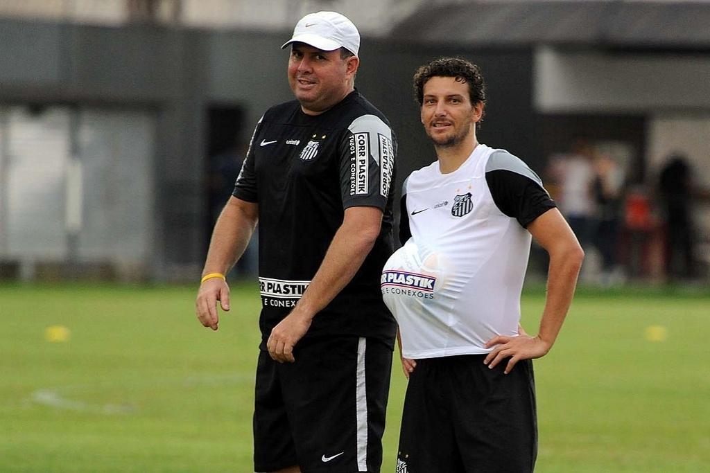 Elano é a principal novidade do Santos na estreia de Marcelo Fernandes como técnico efetivo