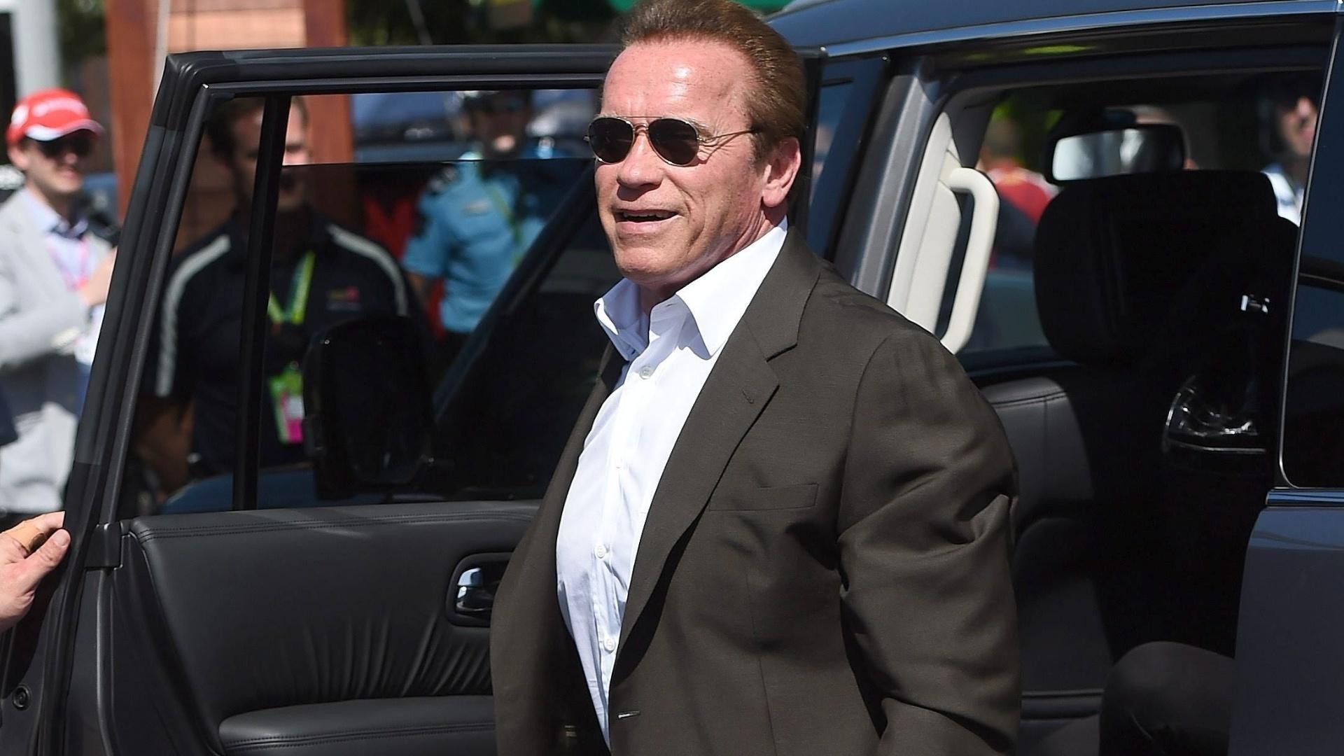 15.mar.2015 - Arnold Schwarzenegger chega ao circuito de Albert Park para acompanhar o GP da Austrália