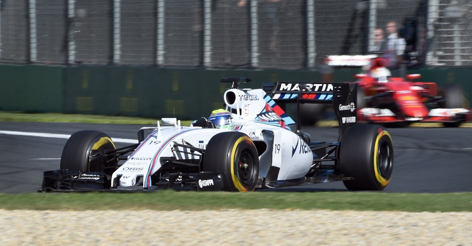 15.mar.2015 - Felipe Massa acelera sua Williams pelo circuito de Albert Park durante o GP da Austrália