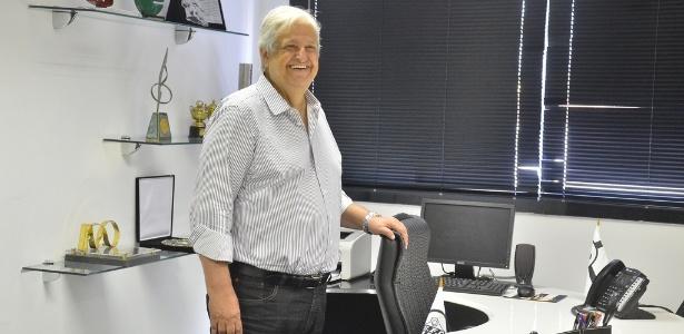 O presidente do Santos, Modesto Roma, está na Itália, fazendo negócios para o clube