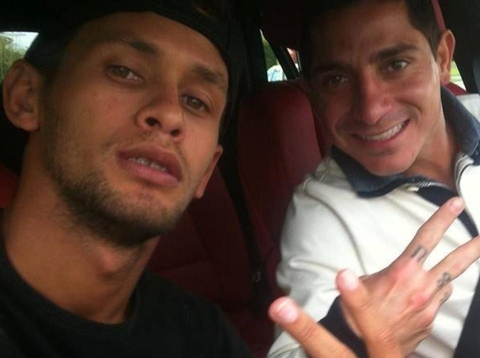 20.mar.2015 Amigos de Ronaldinho Gaúcho em carro do jogador. Eles foram a Querétaro para a festa de 35 anos do jogador