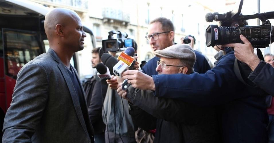 Jefferson chega a Paris para amistosos da seleção. O goleiro é titular do time de Dunga para o duelo contra a França, quinta-feira