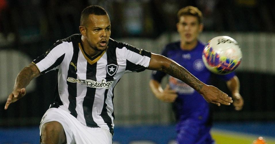 Bill domina a bola durante o jogo entre Botafogo e Barra Mansa