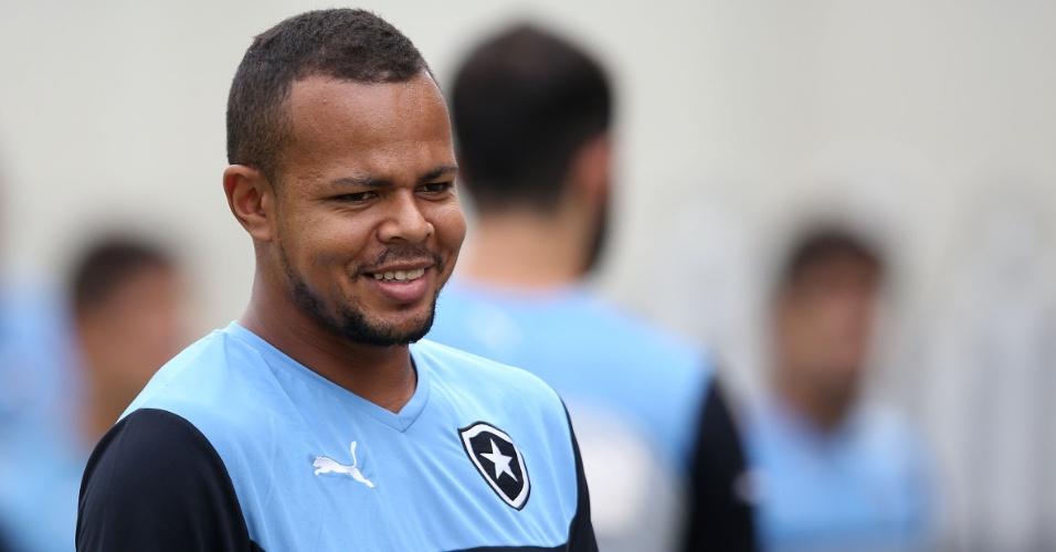 Bill sorri em treinamento do Botafogo