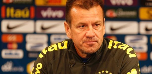 Dunga convoca a seleção brasileira que tentará o título da Copa América no Chile