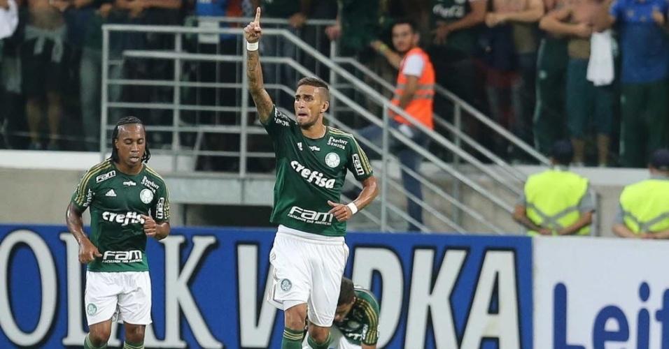 Rafael Marques comemora segundo gol do Palmeiras contra o São Paulo no Choque-Rei