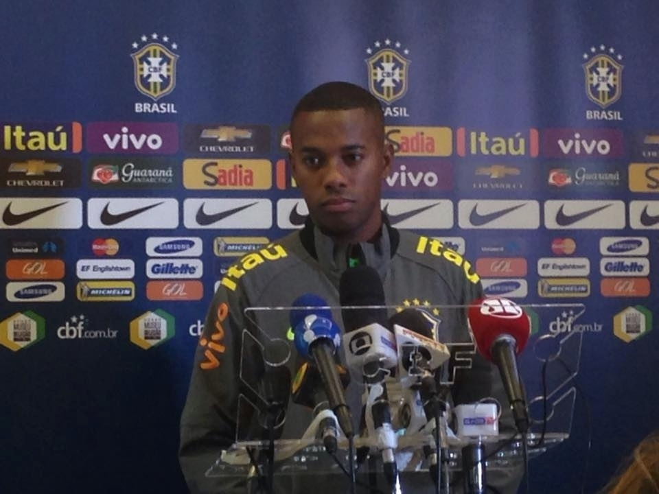 Robinho ficou fora da Copa do Mundo de 2014, mas retornou à seleção com a chegada de Dunga