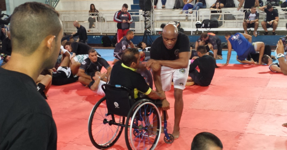Anderson Silva participa de seminário no Rio de Janeiro