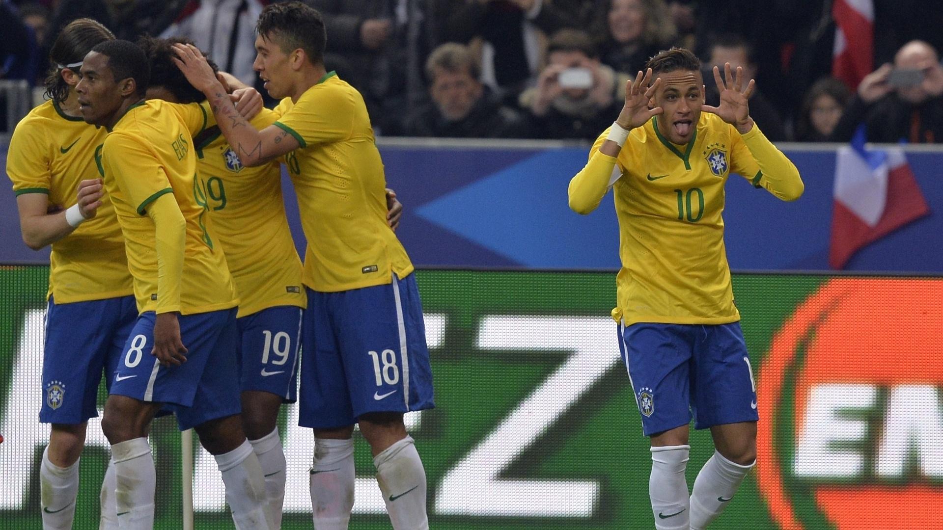 Neymar comemora gol marcado no amistoso entre Brasil e França, no Stade de France